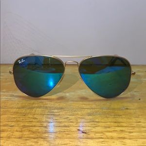 Ray Ban Aviator  Gradient Gold Frames